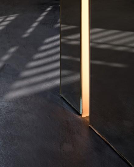 FB 1521 woning - edegem - detail lichtstrip inbouw spiegelglas
