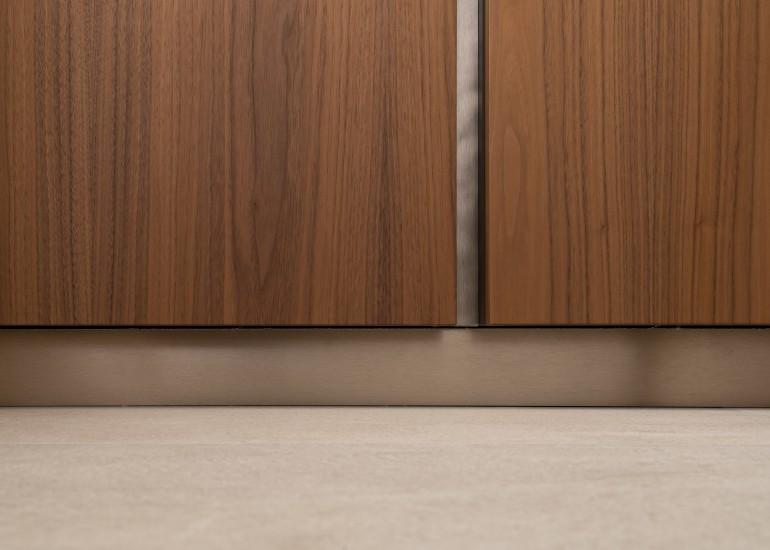 FB 1729 LAER appartement - knokke-heist - details brons notelaar keuken keramische tegel.jpg