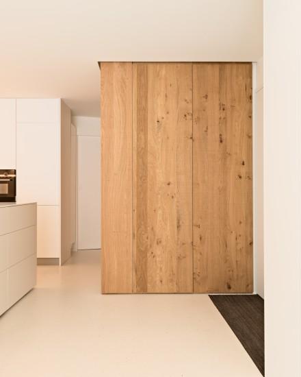 FB 1815 VLIEGER appartement - knokke-heist - kastenwand maatwerk eik .jpg