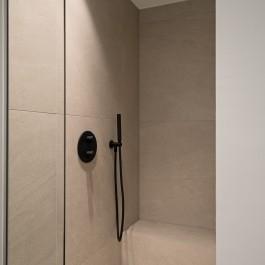 FB 1729 LAER appartement - knokke-heist - jee-o zwat kraanwerk details zitbank keramische tegels.jpg