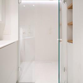 FB 1815 VLIEGER appartement - knokke-heist -badkamer maatwerk gietvloer design.jpg