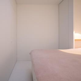 FB 1815 VLIEGER appartement - knokke-heist -maatwerk kastenwand dressing